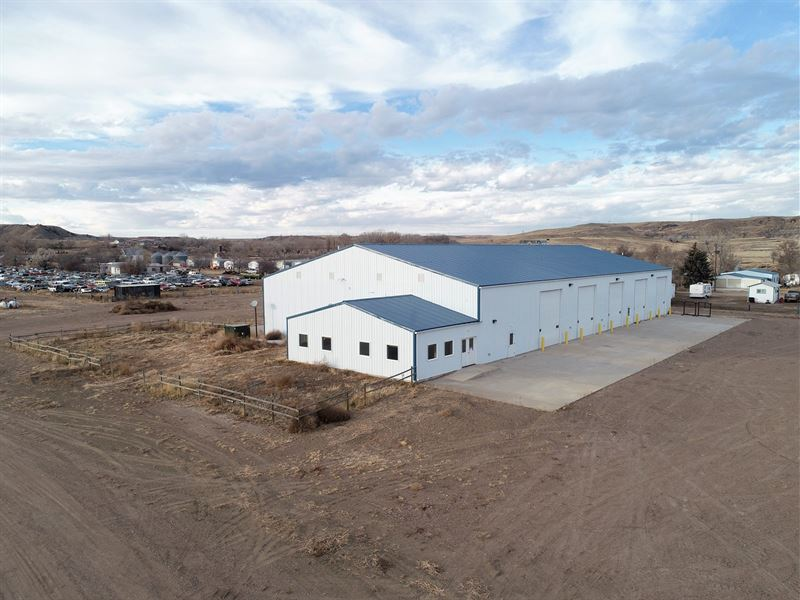 12,000' Shop, Convenient Location : Glendive : Dawson County : Montana