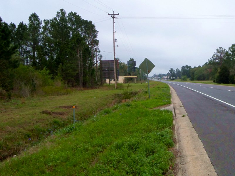 7 Acres On Highway 84 In Town : Jesup : Wayne County : Georgia